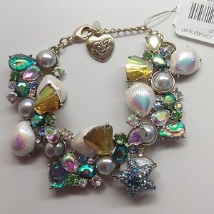 Betsey Johnson New Seashell/Starfish Earrings